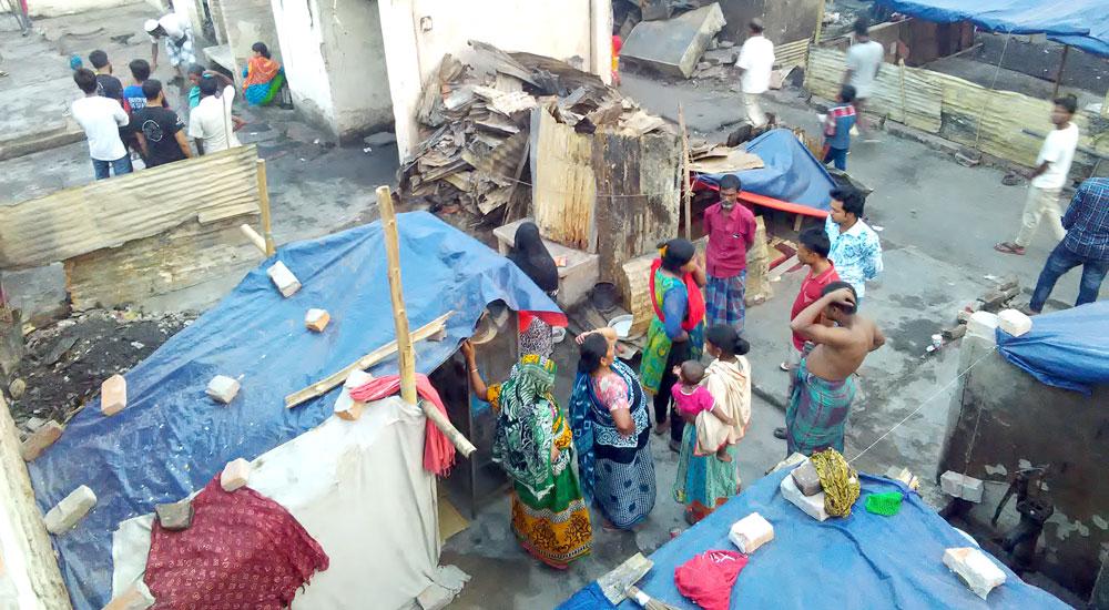 Foto de la entrada:Un incendio en Dhaka deja sin casa a miles de personas