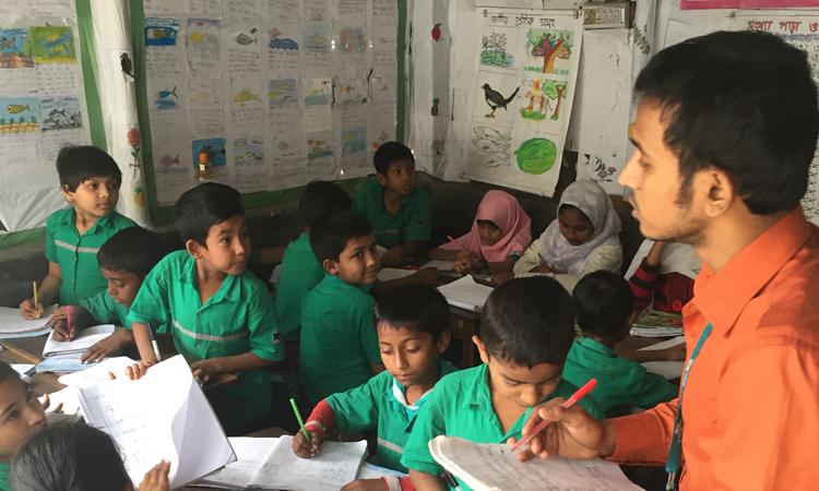 El alumno del slum que llegó a profesor