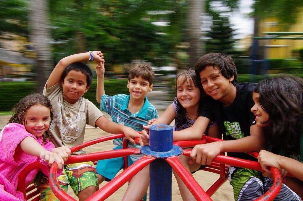Image post No vigilar a los niños mientras juegan mejora su desarrollo