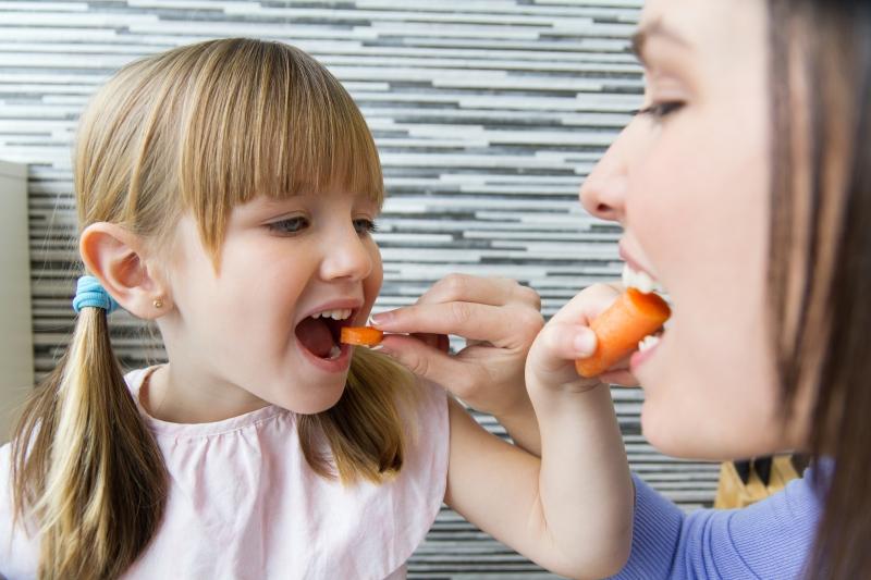 Foto de la entrada:¿Por qué enseñar a tus hijos a comer bien?