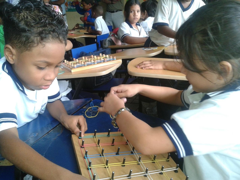 Image post Dotamos de material escolar a las escuelas de Ecuador