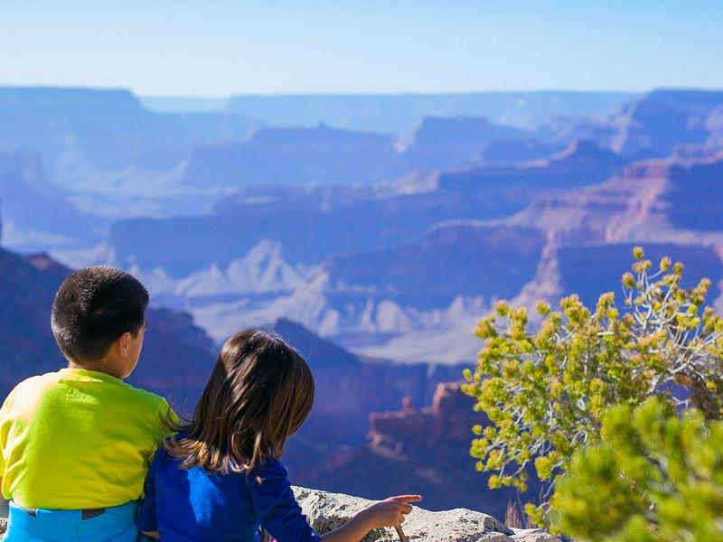 Guía y consejos para viajar con niños y niñas fuera de España