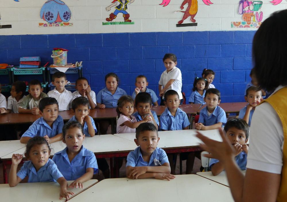 Llevando salud a las escuelas de El Salvador