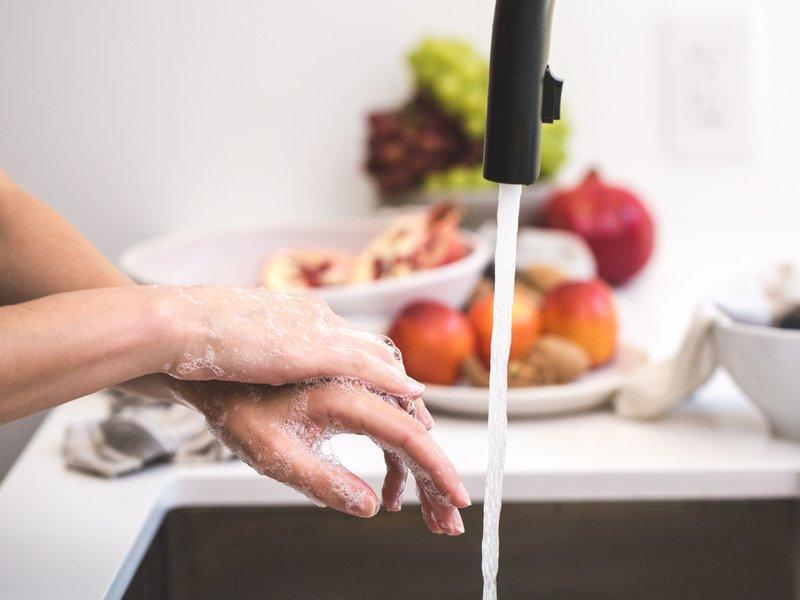 Foto de la entrada:10 preguntas (y sus respuestas) sobre cómo lavar las manos correctamente