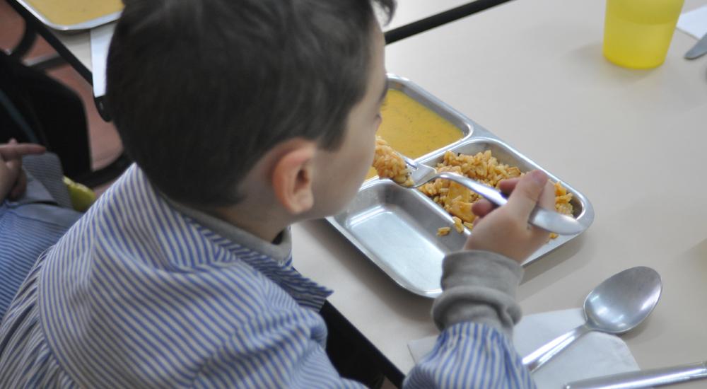 """Foto de la entrada:""""Sin estas becas, muchos niños estarían mal nutridos"""""""