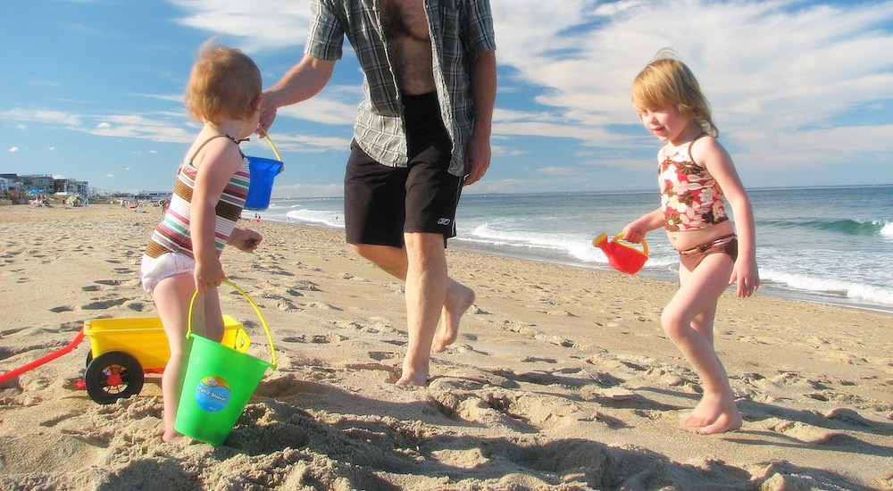 Foto de la entrada:Protección solar, el mejor aliado de los niños en verano