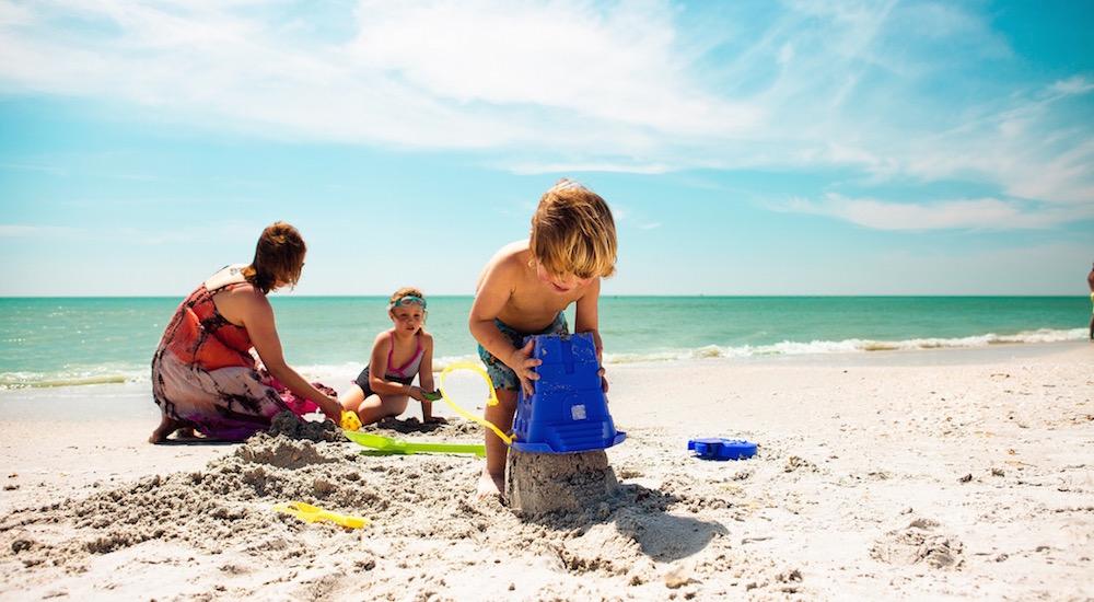 Los 6 mejores juegos para la playa y la piscina