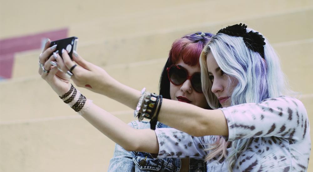 Image post ¿Por qué les gusta tanto hacerse selfies?