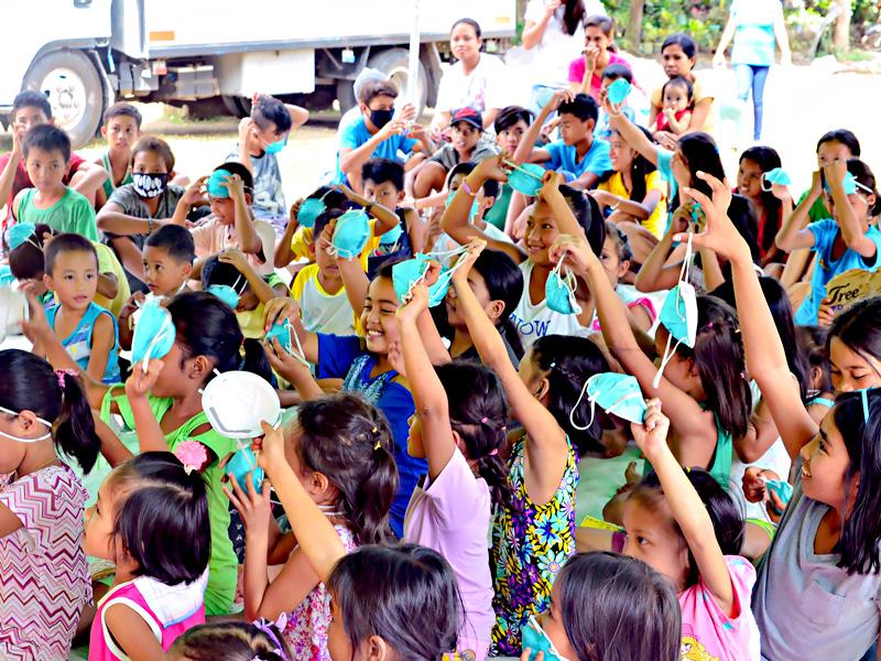 Educo Filipinas entrega 6.500 mascarillas a los hospitales