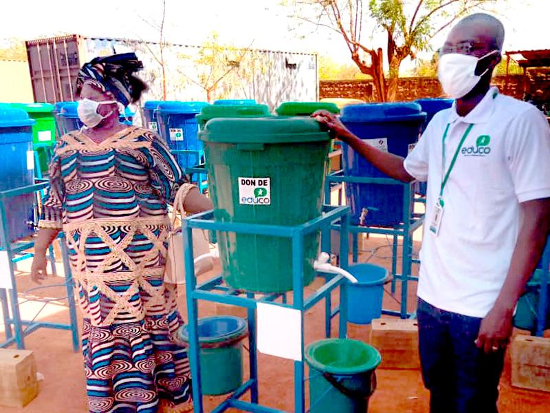 Foto Coronavirus: Puntos de agua y alimentos para niños y niñas de Burkina Faso