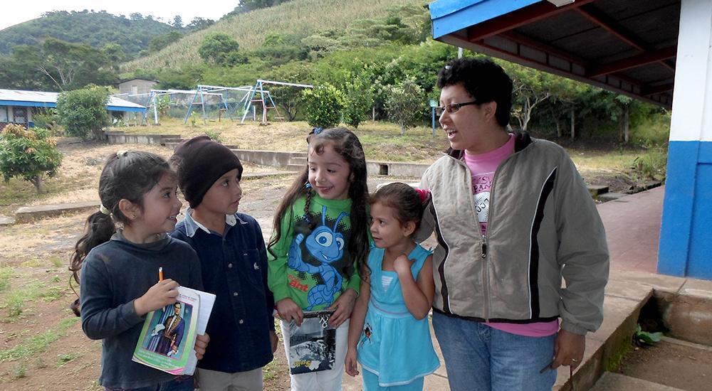 """Foto de la entrada:""""Lo más valioso de ser docente es aprender de los niños y las niñas"""""""