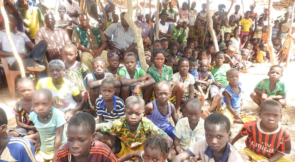 Teatro-fórum para defender los derechos de la infancia en Burkina