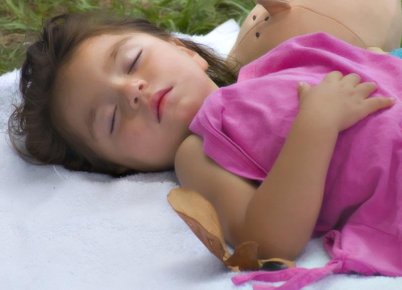 ¿La falta de sueño y la obesidad infantil están relacionadas?