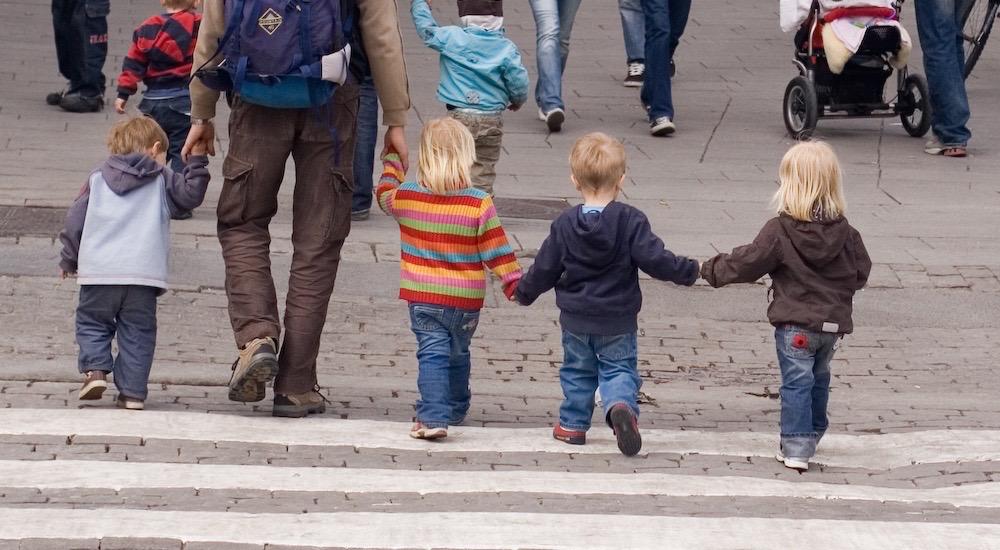 Aprendiendo seguridad vial: lecciones para toda la vida