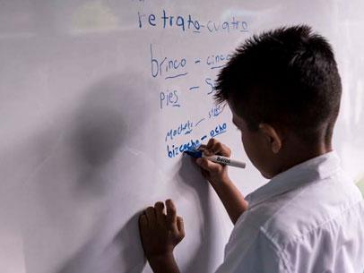 niño sumando en la pizarra, Nicaragua