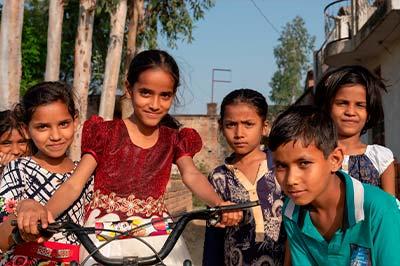 Foto artículo:Niños y niñas necesitan un asiento en la mesa en la campaña global para acabar con la violencia ejercida contra la infancia